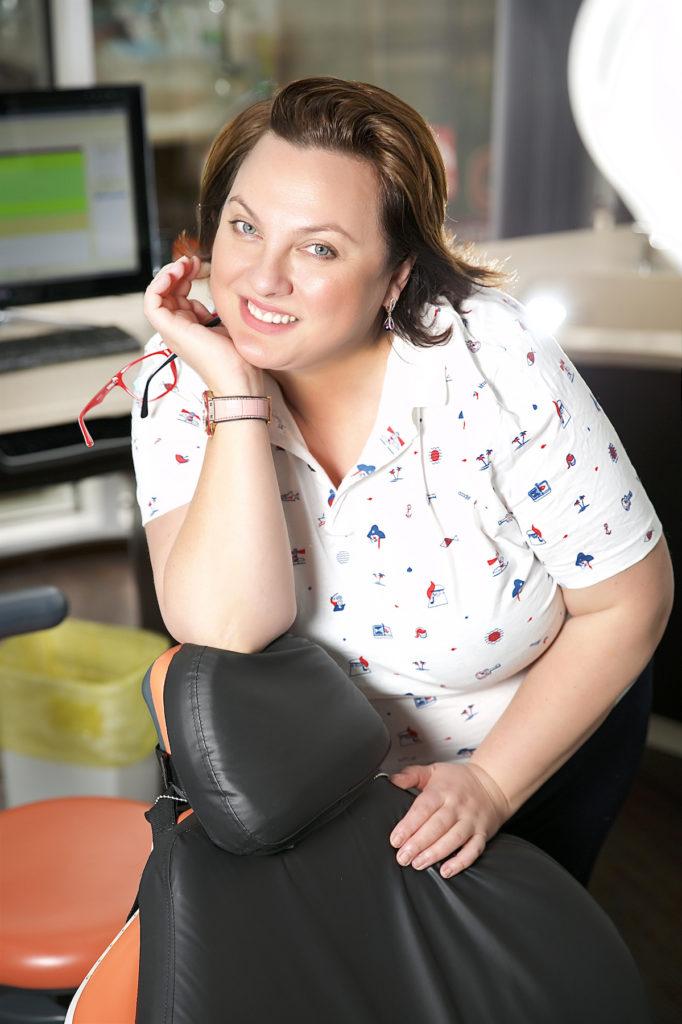Стоматолог-ортодонт Виктория Владимировна Лисовенко